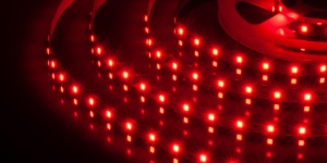 Светодиодная лента SMD3528 60Led красный 12V IP33