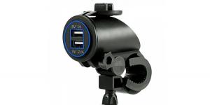 Зарядное USB с синей подсветкой на 2-а гнезда для мототехники 12V 2.1A+1А