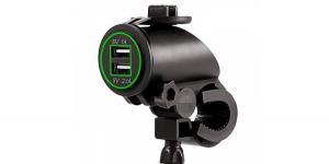 Зарядное USB с зелёной подсветкой на 2-а гнезда для мототехники 12V 2.1A+1А
