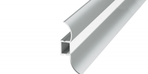 Алюминиевый профиль-плинтус с экраном 0750